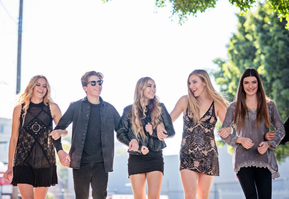 senior photos orange county friends